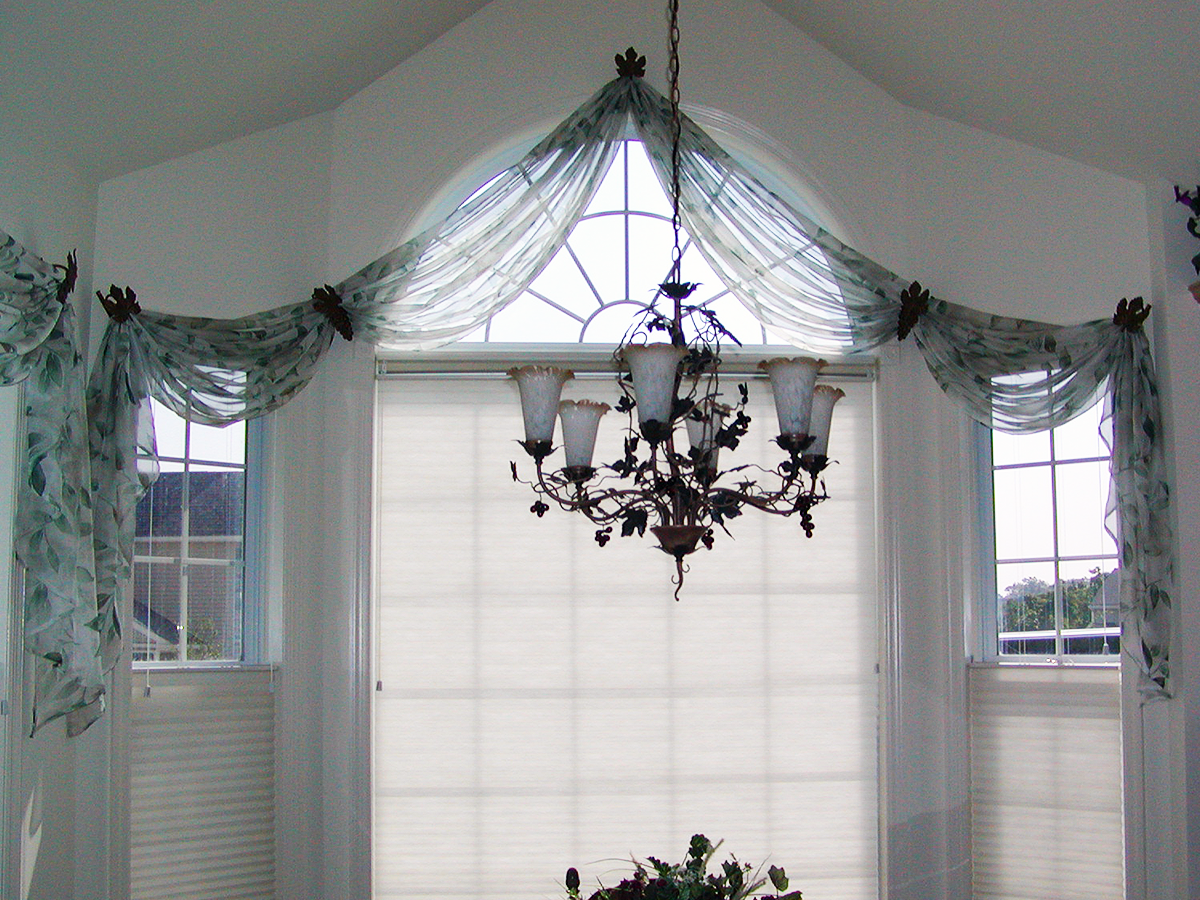 Custom Arched Window w/ Unconstructed Sheer Drapery & Top Down, Bottom Up Duette Shades